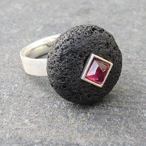 Silberring mit Lavastein und rosa Turmalin